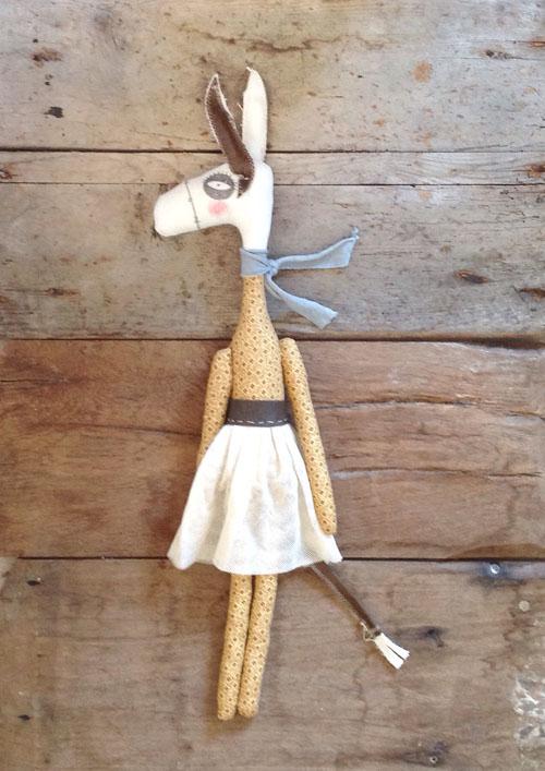 cecilia cavallini miss donkey autunno
