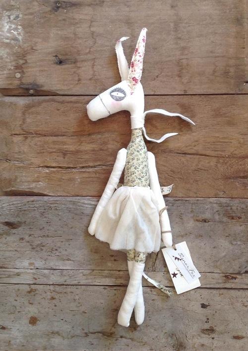 cecilia cavallini le bambole miss_donkey_prato_fiorito